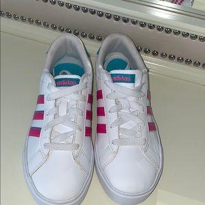 Adidas sneaker LIKE BRAND NEW